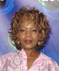 Alfre Woodard's hairstyles